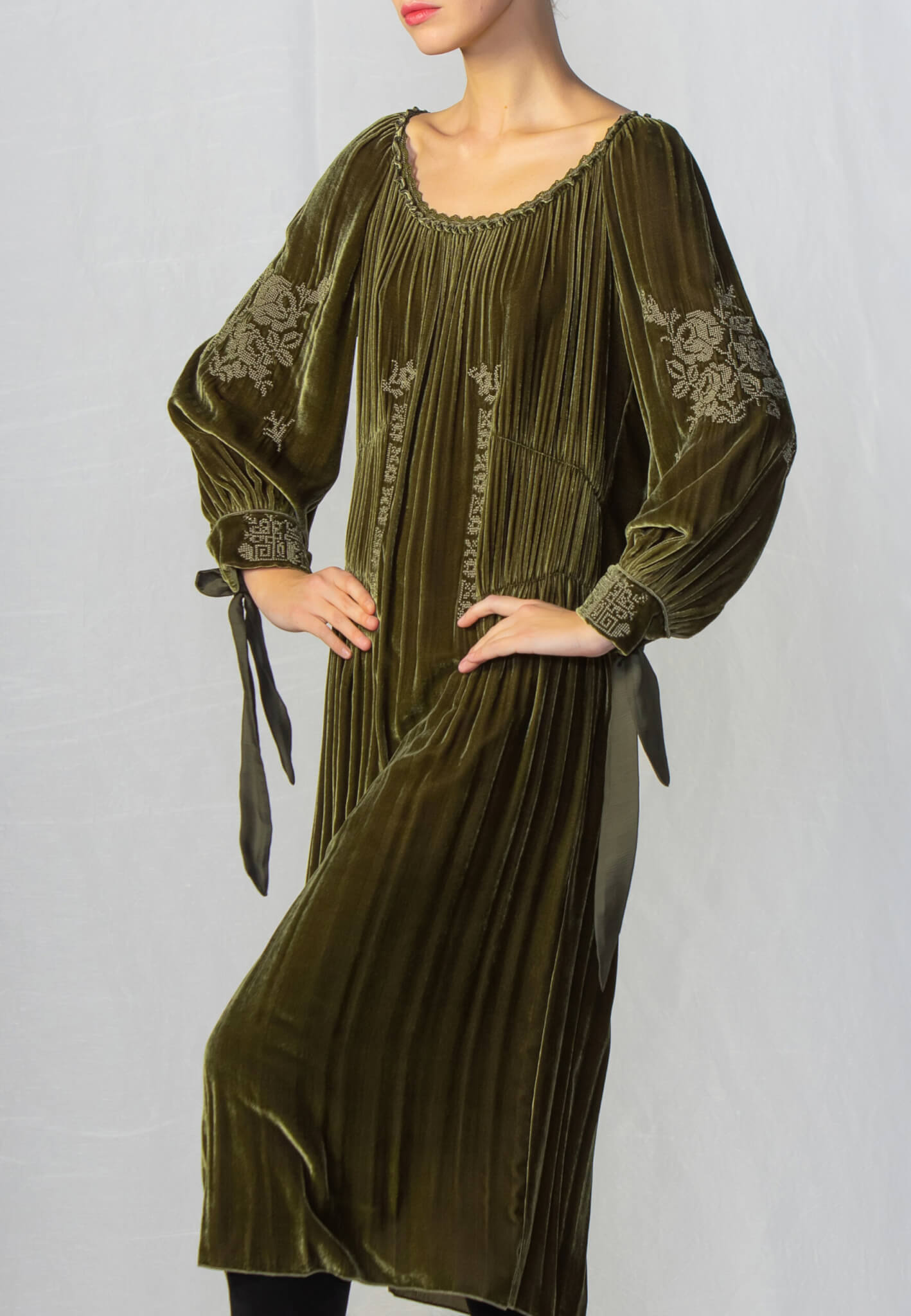 Green velour dress with embroidery